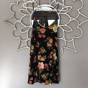 Forever 21 Women's Small Floral Dress
